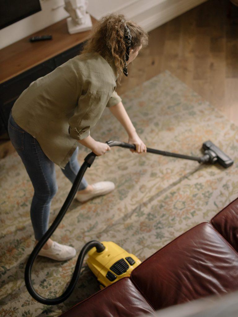 почистване на дома чрез изгаряне на калории (3)